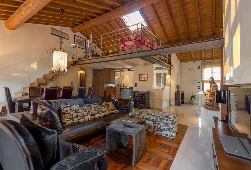Immobiliare verona appartamento di lusso lussuoso verona for Piani di casa di montagna con seminterrato sciopero