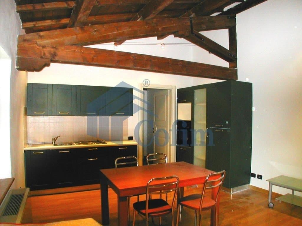 Immobiliare verona appartamento trilocale centro for Appartamento in affitto arredato