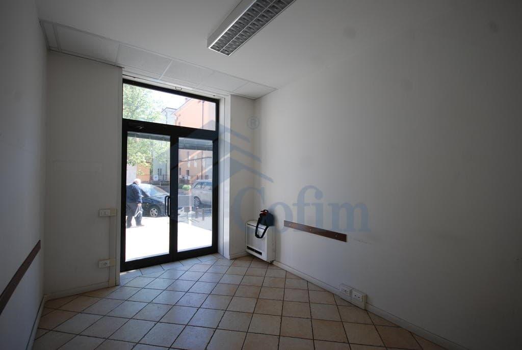Ufficio zona strategica di passaggio  Verona (Fiera Golosine ) - 5