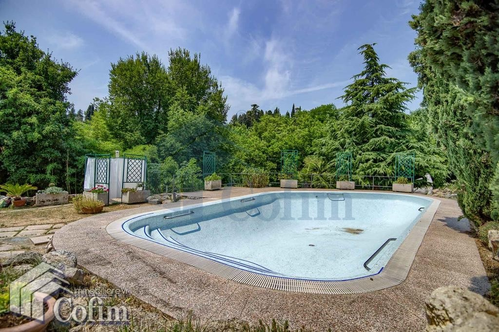 Villa con piscina in vendita a verona parona ma1162 7304 for Case california in vendita con piscina