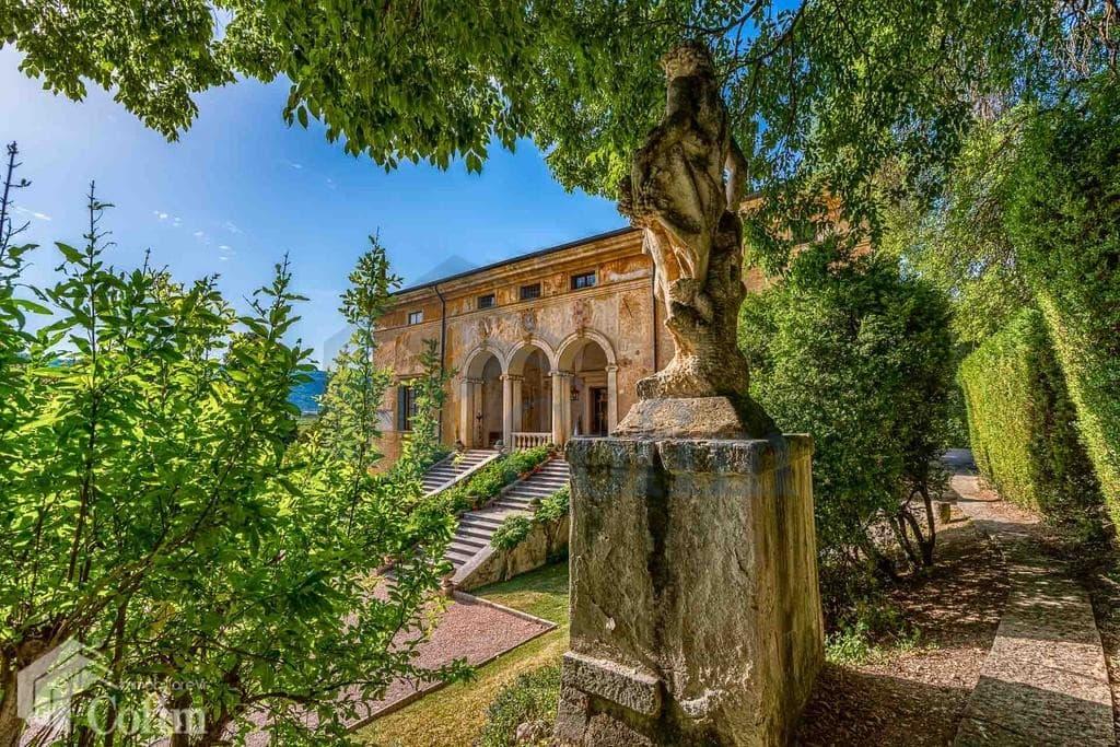 villa d'epoca in vendita a Verona giardino