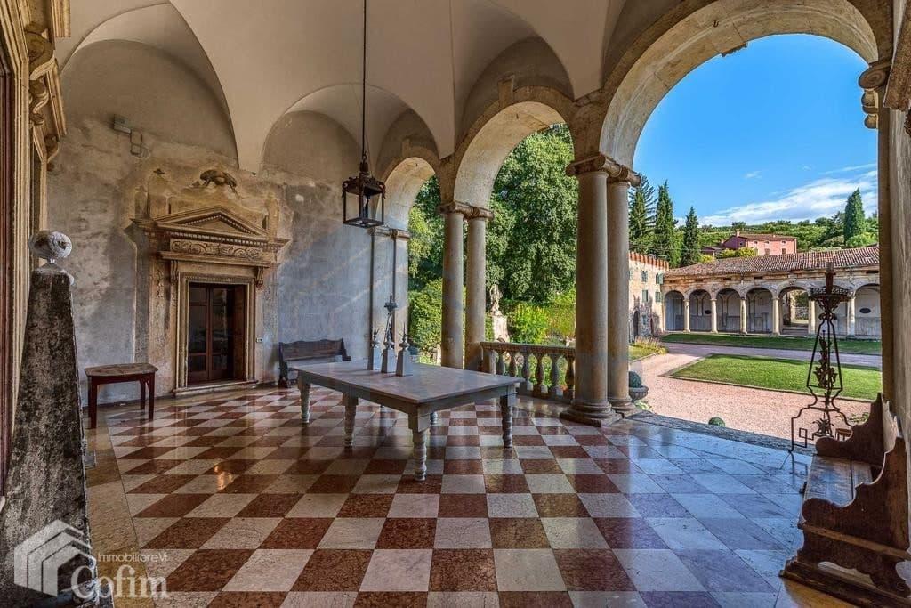 villa d'epoca in vendita a Verona loggia