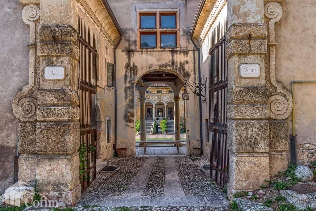 villa d'epoca in vendita a Verona ingresso