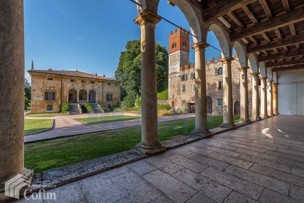 villa d'epoca in vendita a Verona colonnato