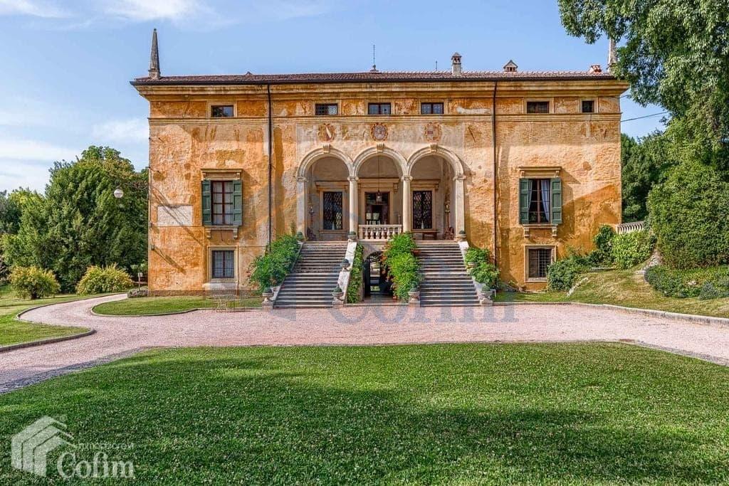 villa d 39 epoca con parco e piscina in vendita a verona