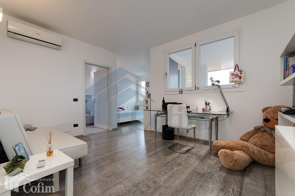 Italian Network Realty - Villa SINGOLA con giardino, splendida, AMPIA metratura, in VENDITA