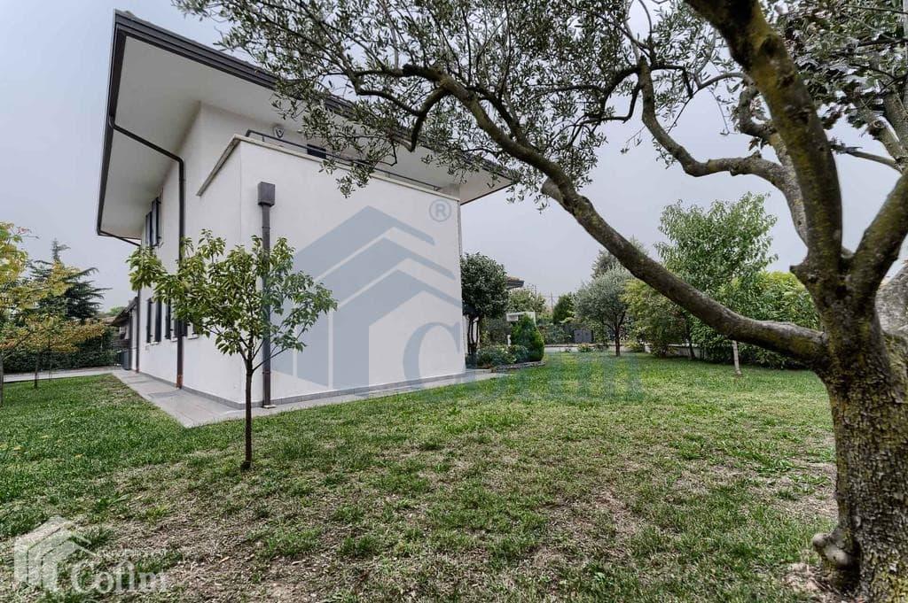 Villa singola vendita verona pedemonte giardino pr