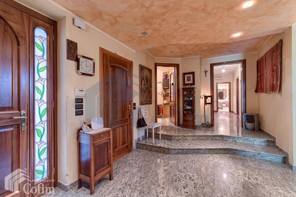 Villa in vendita a Verona Pescantina ingresso
