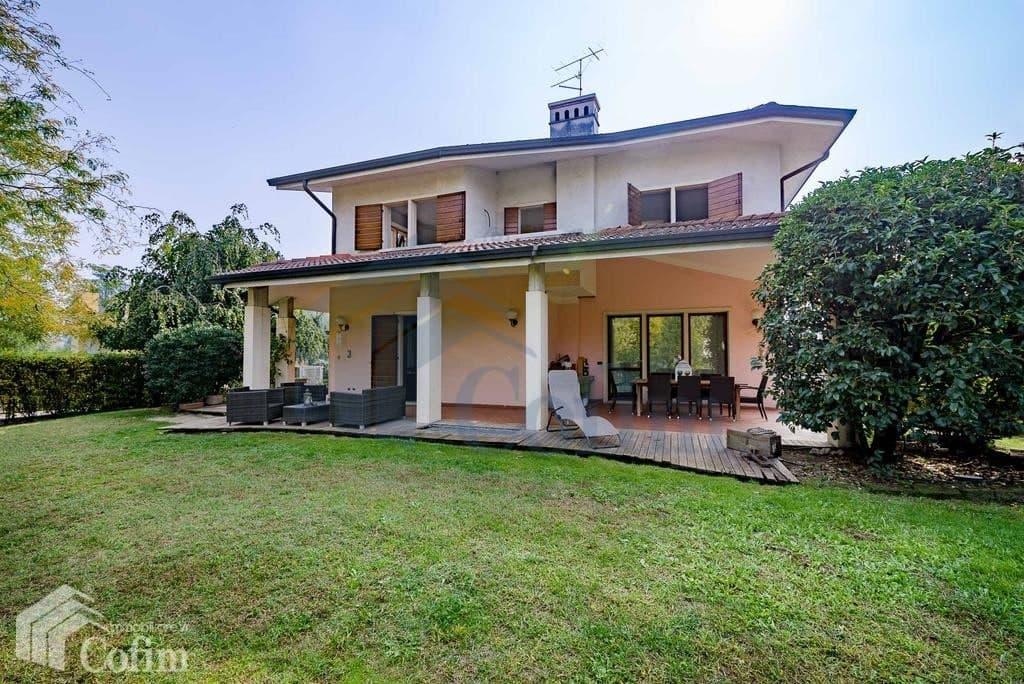 Villa in vendita a Verona Pescantina facciata
