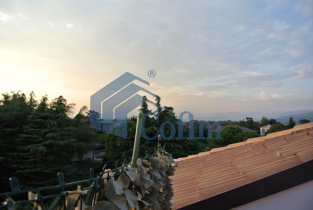 Appartamento quadrilocale - ULTIMO PIANO su due livelli con TERRAZZO ...