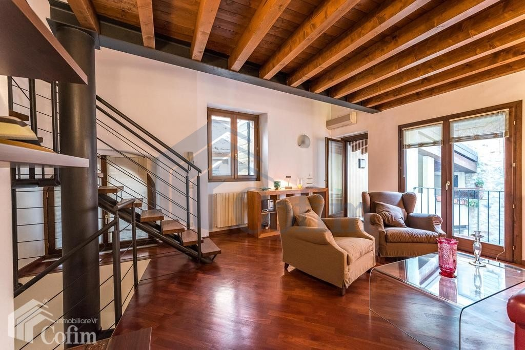three rooms completely refurbished indipendent house for sale on ...