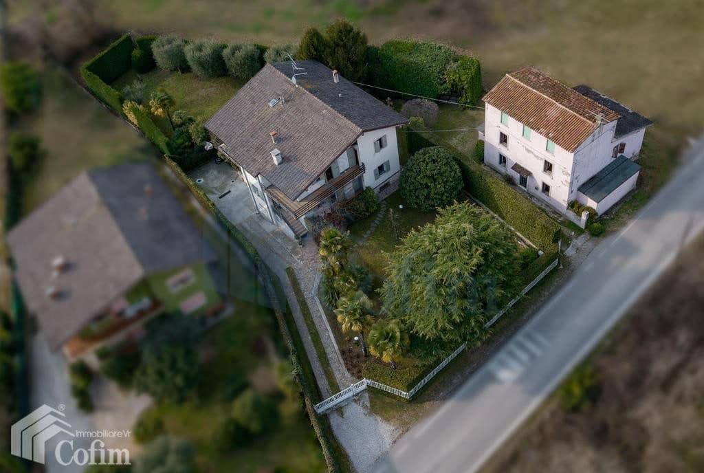Villa con ampio GIARDINO in VENDITA posizione tranquilla  Pescantina (Pescantina) - 7