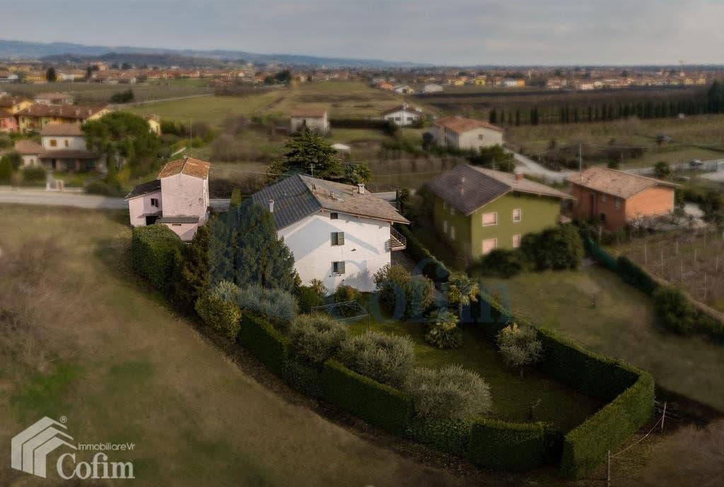 Villa con ampio GIARDINO in VENDITA posizione tranquilla  Pescantina (Pescantina) - 8