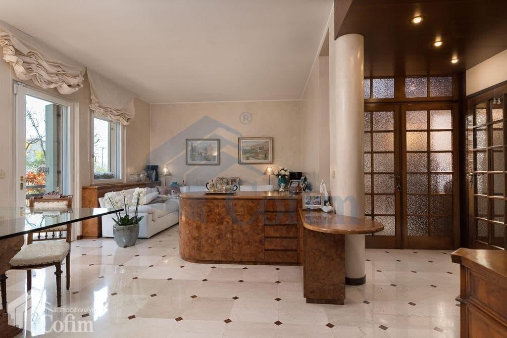 Villa con ampio GIARDINO in VENDITA posizione tranquilla  Pescantina (Pescantina) - 4
