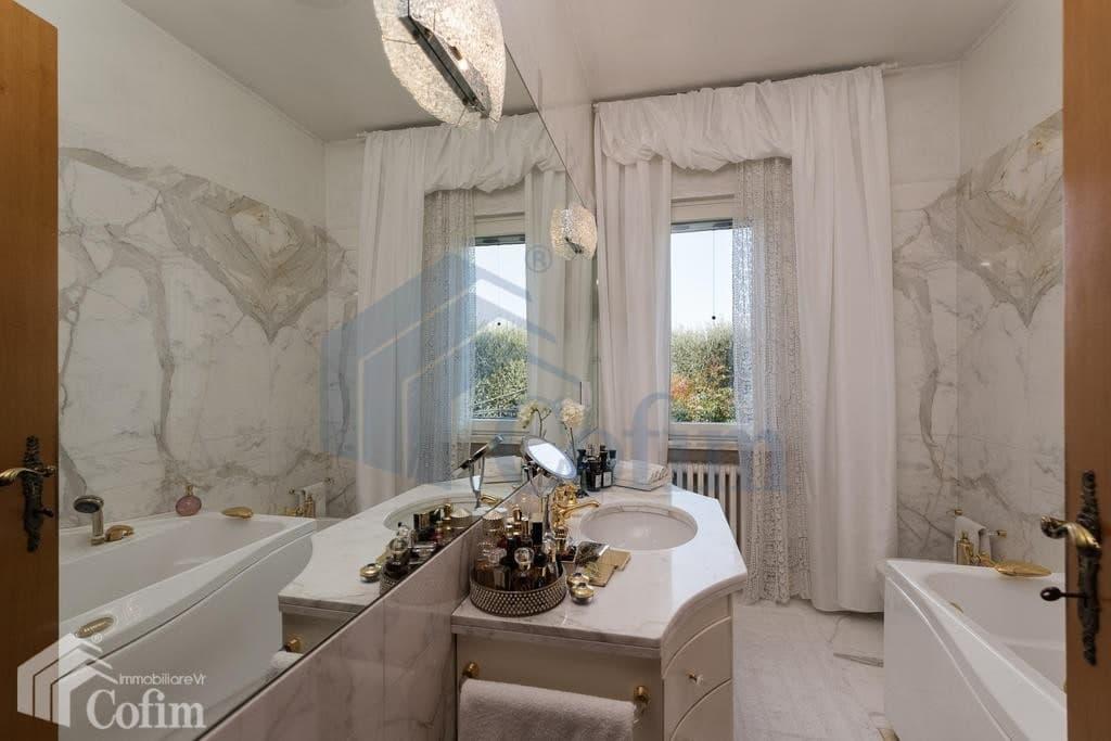 Villa con ampio GIARDINO in VENDITA posizione tranquilla  Pescantina (Pescantina) - 5