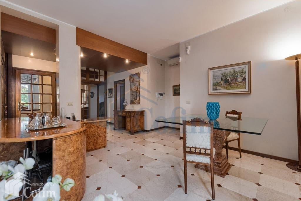 Villa con ampio GIARDINO in VENDITA posizione tranquilla  Pescantina (Pescantina) - 11