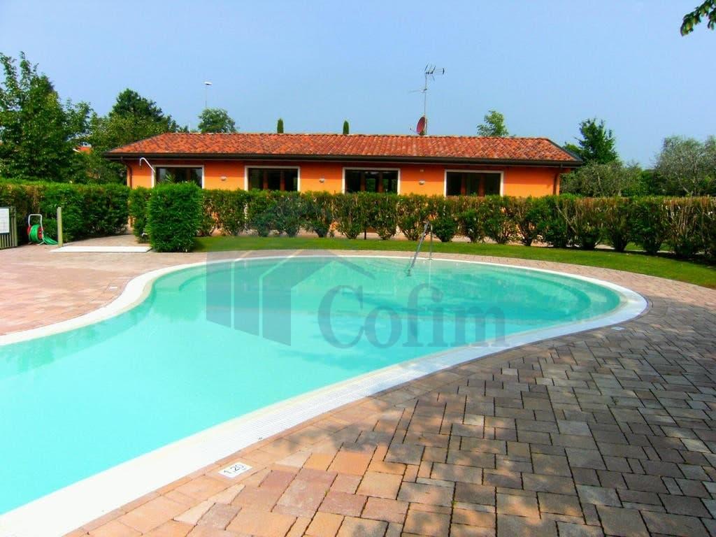 Appartamento trilocale LAGO di GARDA in VENDITA arredato ampio GIARDINO e PISCINA  Cavaion Veronese (Cavaion Veronese) - 3