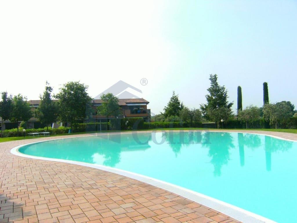 Appartamento trilocale LAGO di GARDA in VENDITA arredato ampio GIARDINO e PISCINA  Cavaion Veronese (Cavaion Veronese) - 5