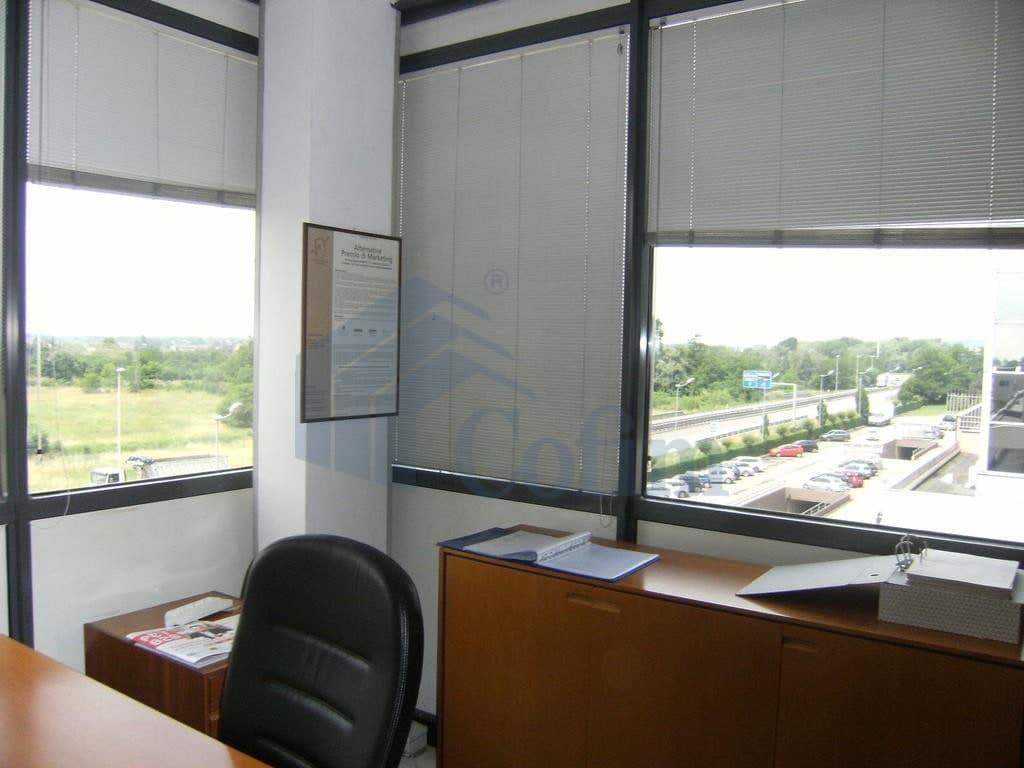 ufficio in affitto a Verona est centro commerciale