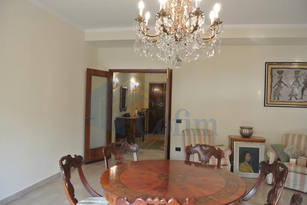 Appartamento cinque locali in AFFITTO luminoso ampio semiARREDATO con garage  Verona (Valverde) - 2