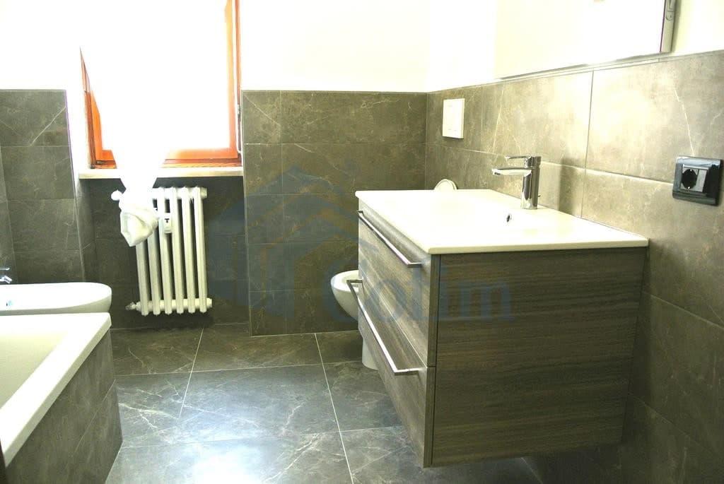Appartamento cinque locali in AFFITTO luminoso ampio semiARREDATO con garage  Verona (Valverde) - 6