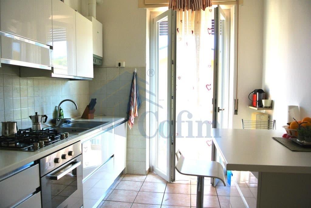 Appartamento quadrilocale ARREDATO in AFFITTO v.ze Ospedale Borgo Trento   Verona (Pindemonte) - 2