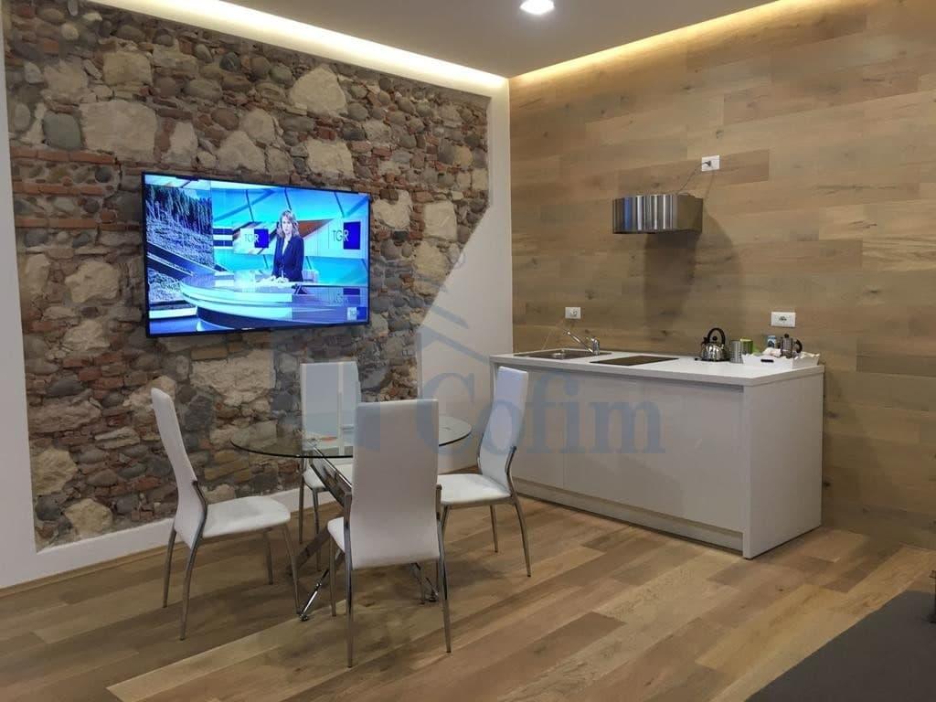 Appartamento bilocale ARREDATO in AFFITTO, elegante, ristrutturato, PORTA PALIO  Verona (Centro )