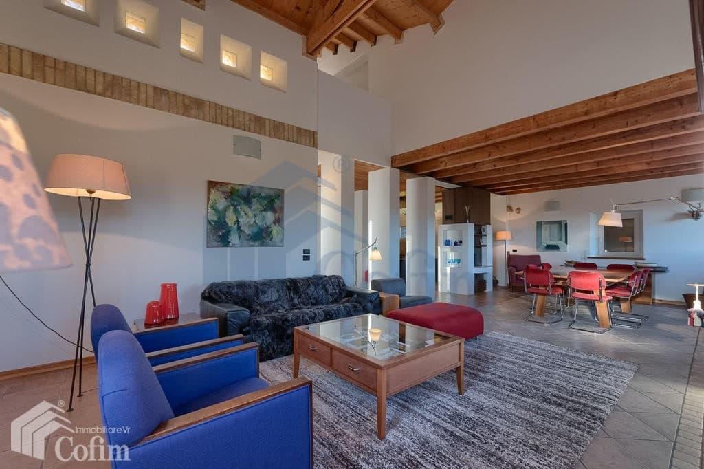 Villa nuova SPLENDIDA con PISCINA e ampio GIARDINO in VENDITA  Romagnano (Grezzana) - 4