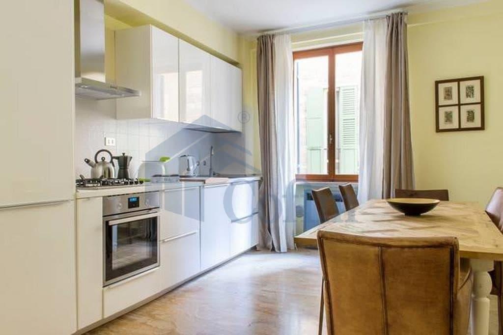 Appartamento quadrilocale signorile in VENDITA zona VIA MAZZINI PIAZZA ERBE PORTA BORSARI  Verona (Centro Storico) - 4