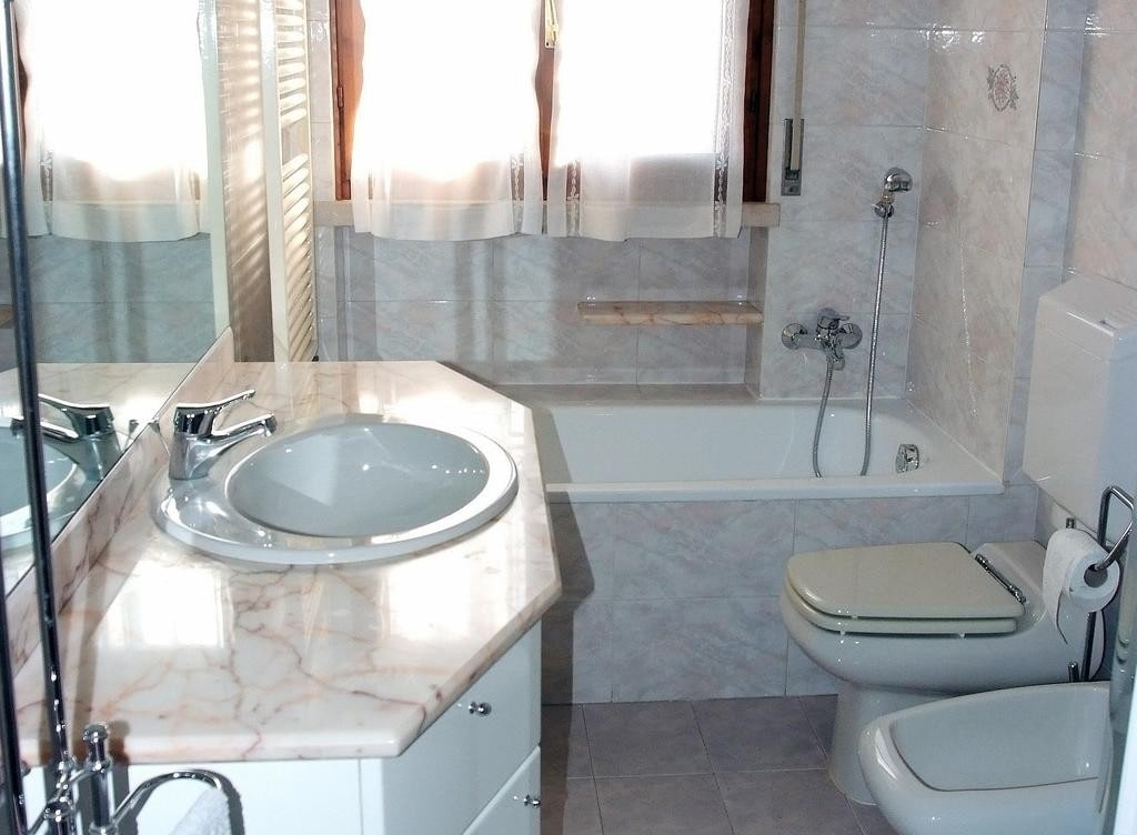 Five-rooms Apartment TOP FLOOR fullly furnished TO LET   Verona (Fiera Golosine ) - 4