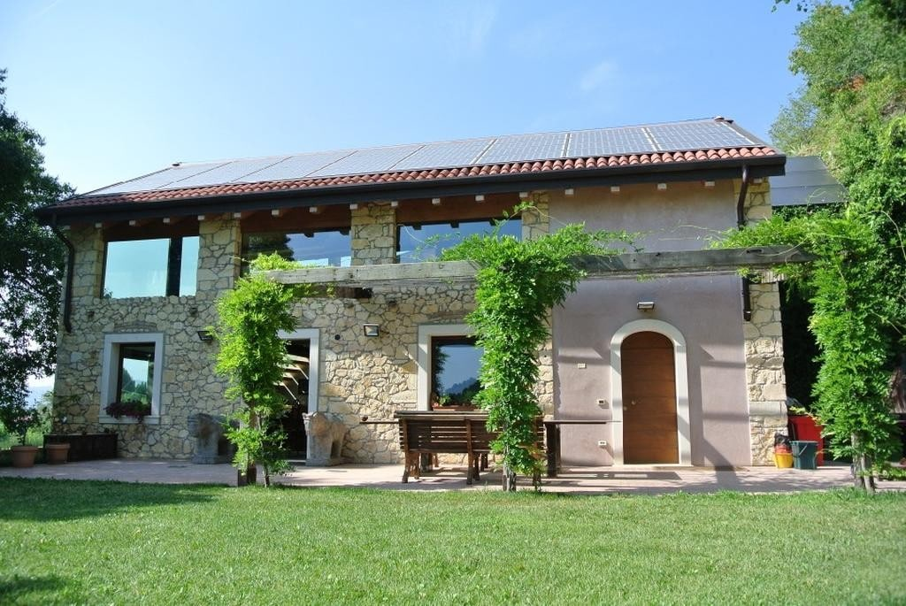 Cottage in beautiful renovated SALE with POOL and large GARDEN  Colognola Ai Colli (Colognola ai Colli) - 3