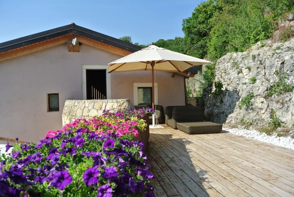 Cottage in beautiful renovated SALE with POOL and large GARDEN  Colognola Ai Colli (Colognola ai Colli) - 17