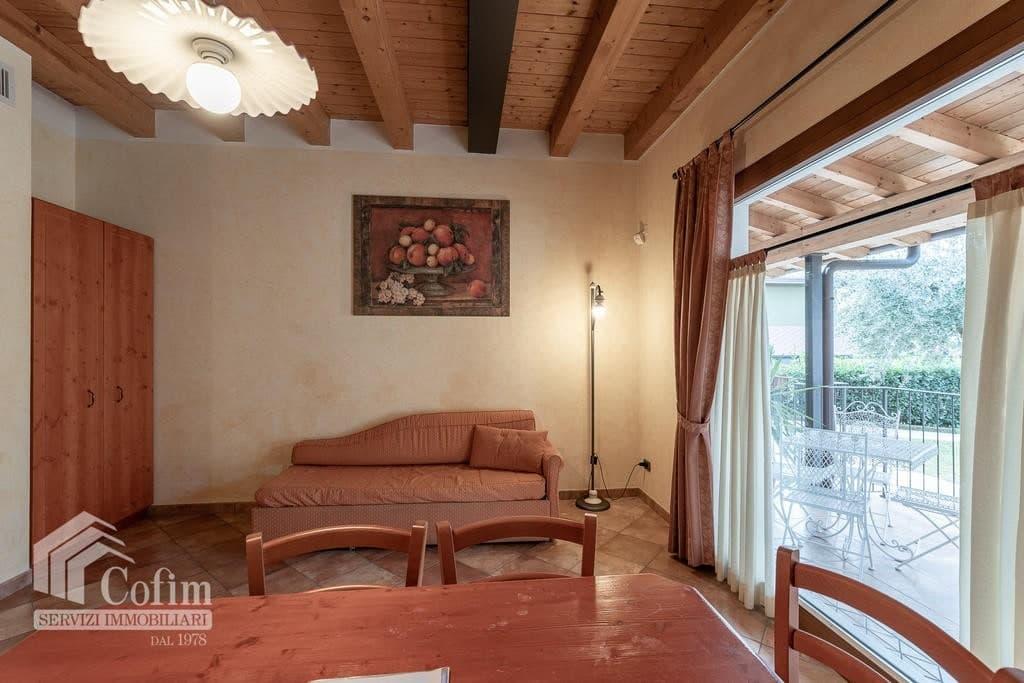 Appartamento trilocale ARREDATO e corredato, con PISCINA, in AFFITTO v.ze LAGO DI GARDA  Cavaion Veronese (Cavaion Veronese) - 4