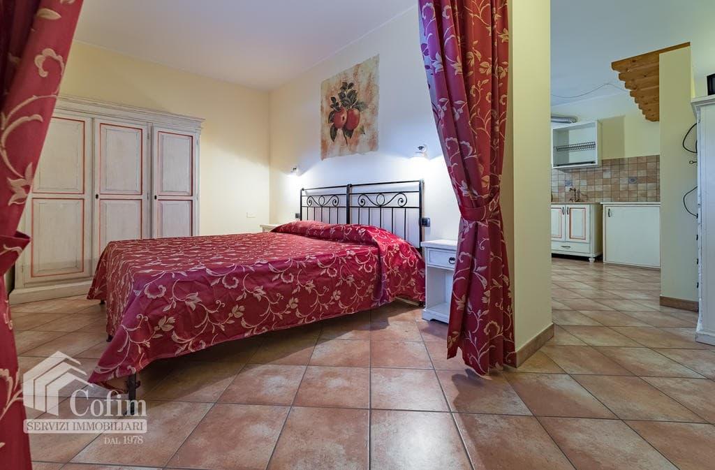 Appartamento trilocale ARREDATO e corredato, con PISCINA, in AFFITTO v.ze LAGO DI GARDA  Cavaion Veronese (Cavaion Veronese) - 2