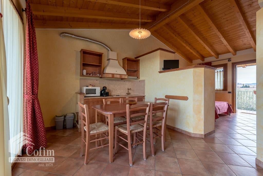 Appartamento trilocale ARREDATO e corredato, con PISCINA, in AFFITTO v.ze LAGO DI GARDA  Cavaion Veronese (Cavaion Veronese) - 14