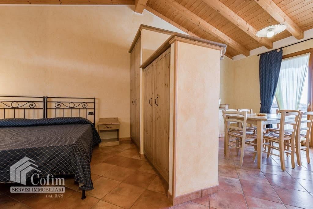 Appartamento trilocale ARREDATO e corredato, con PISCINA, in AFFITTO v.ze LAGO DI GARDA  Cavaion Veronese (Cavaion Veronese) - 15