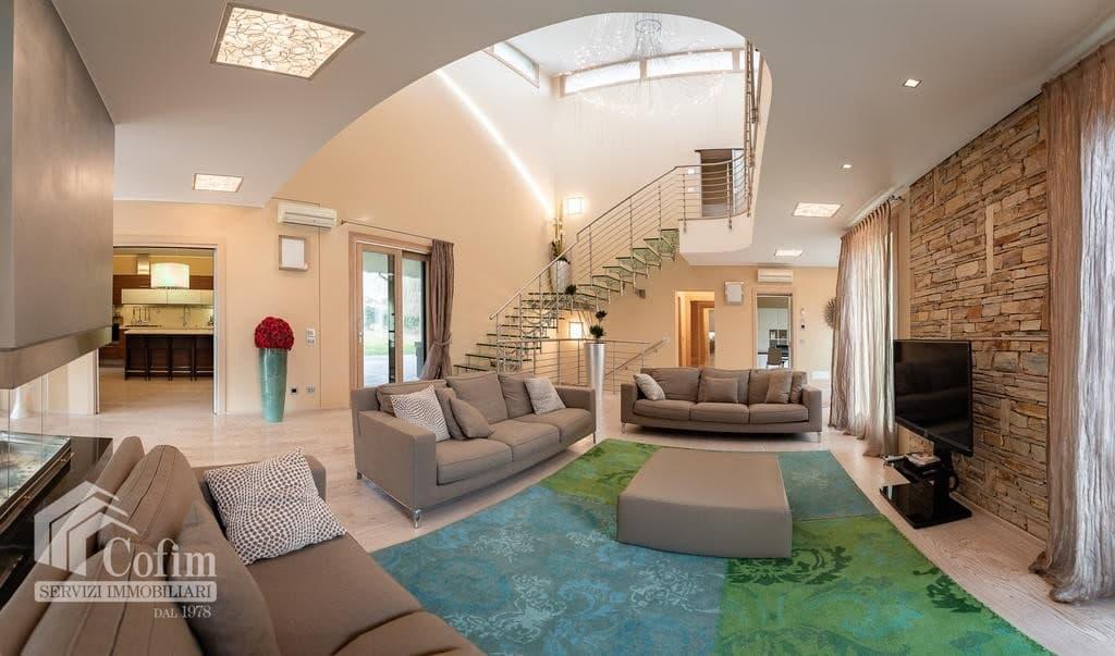 Luxury villa for sale with indoor swimming pool   Pozzo (San Giovanni Lupatoto) - 3