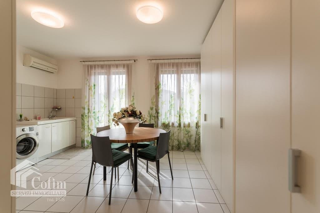 Luxury villa for sale with indoor swimming pool   Pozzo (San Giovanni Lupatoto) - 8