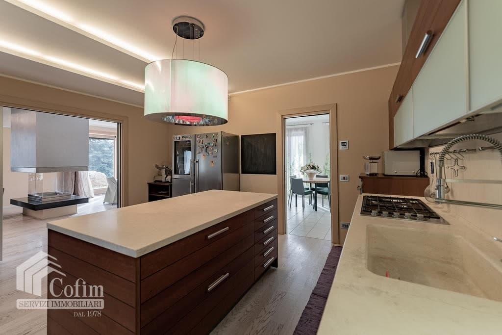 Luxury villa for sale with indoor swimming pool   Pozzo (San Giovanni Lupatoto) - 9