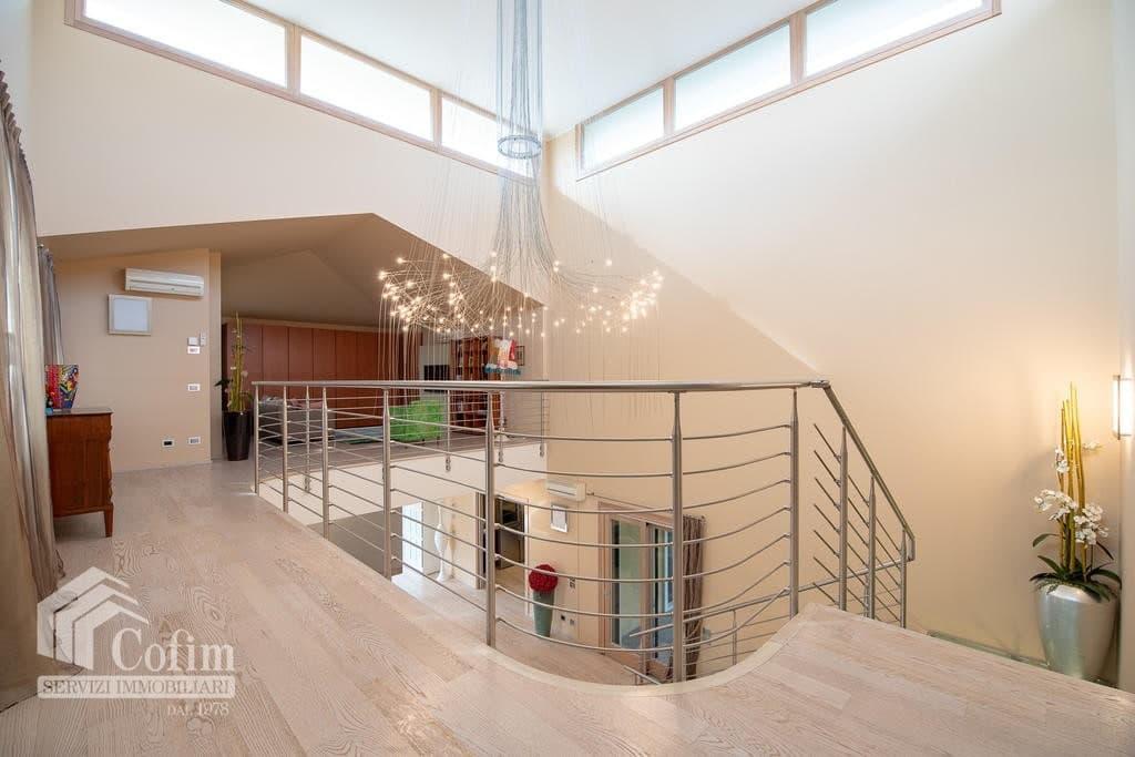 Luxury villa for sale with indoor swimming pool   Pozzo (San Giovanni Lupatoto) - 11