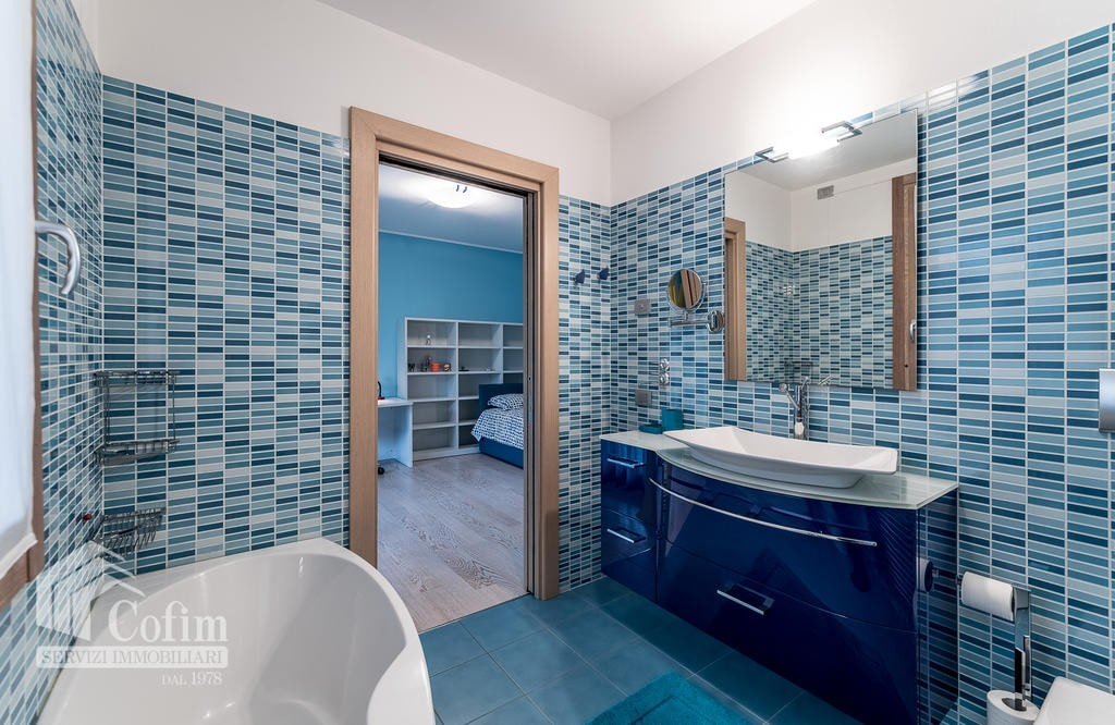 Luxury villa for sale with indoor swimming pool   Pozzo (San Giovanni Lupatoto) - 13