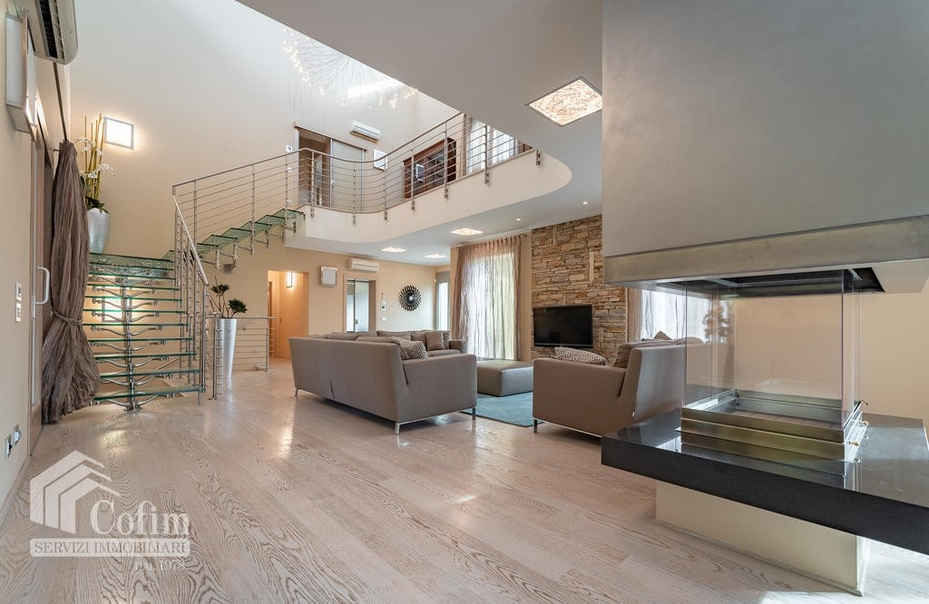 Luxury villa for sale with indoor swimming pool   Pozzo (San Giovanni Lupatoto) - 16