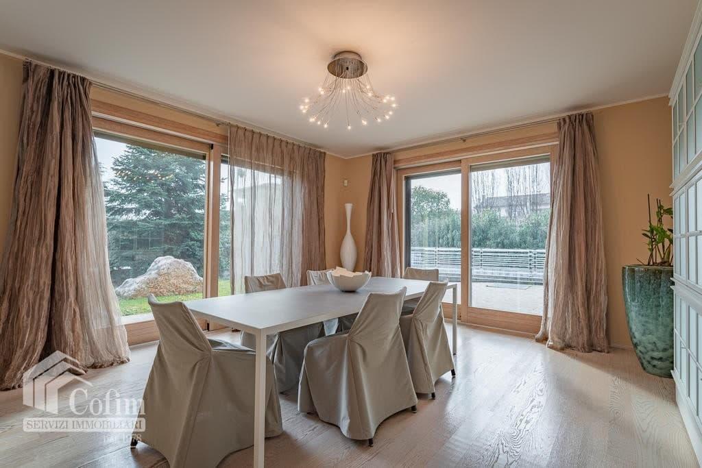 Luxury villa for sale with indoor swimming pool   Pozzo (San Giovanni Lupatoto) - 17