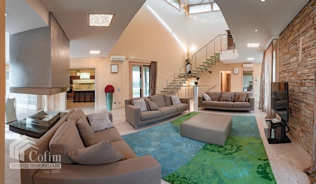 Luxury villa for sale with indoor swimming pool   Pozzo (San Giovanni Lupatoto) - 18
