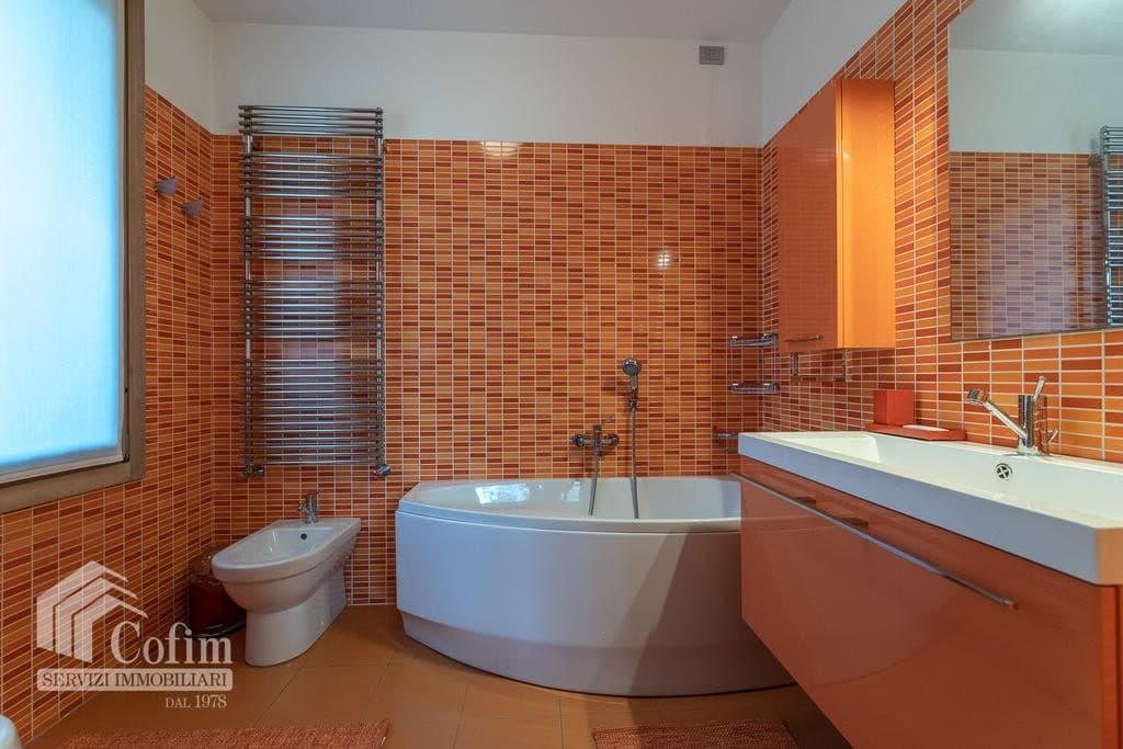 Luxury villa for sale with indoor swimming pool   Pozzo (San Giovanni Lupatoto) - 23