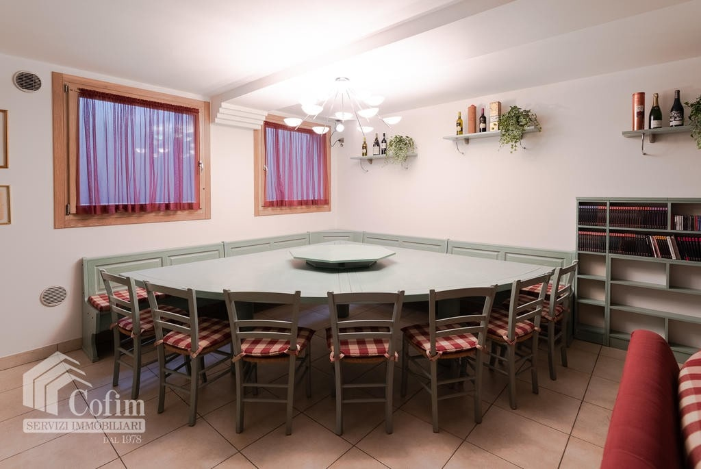 Luxury villa for sale with indoor swimming pool   Pozzo (San Giovanni Lupatoto) - 28