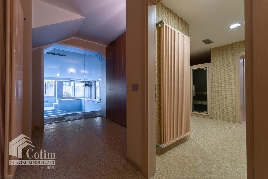 Luxury villa for sale with indoor swimming pool   Pozzo (San Giovanni Lupatoto) - 31