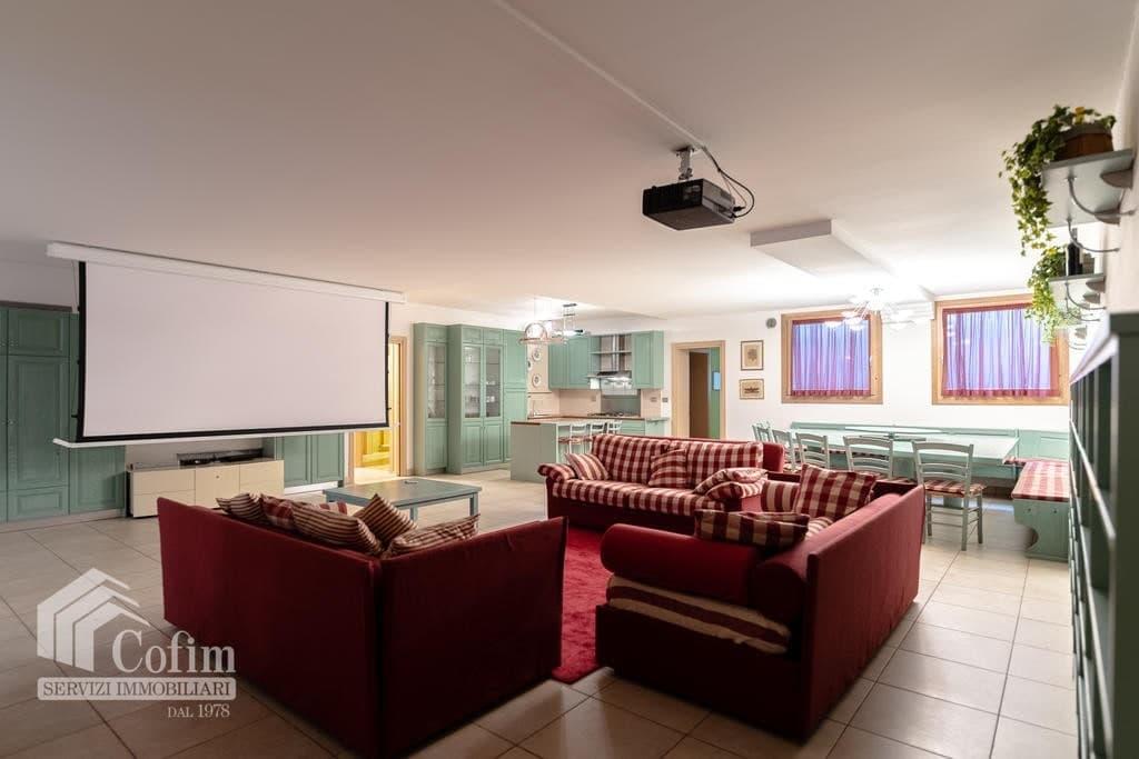 Luxury villa for sale with indoor swimming pool   Pozzo (San Giovanni Lupatoto) - 36