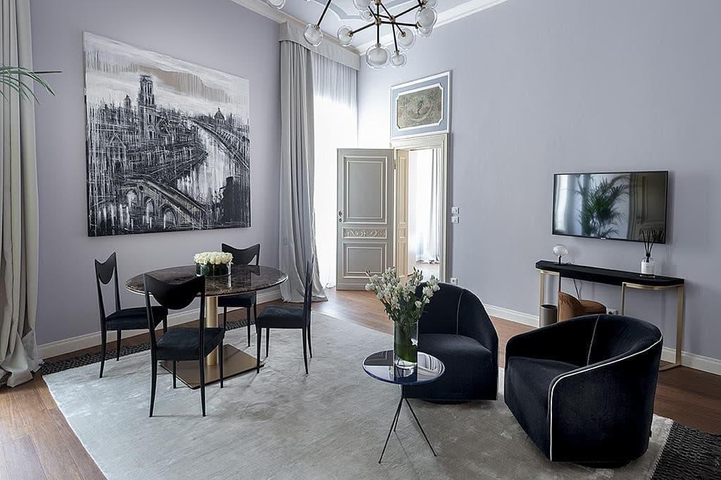 Appartamento trilocale in AFFITTO per brevi periodi, pregevolmente ARREDATO e corredato  Verona (Centro Storico)