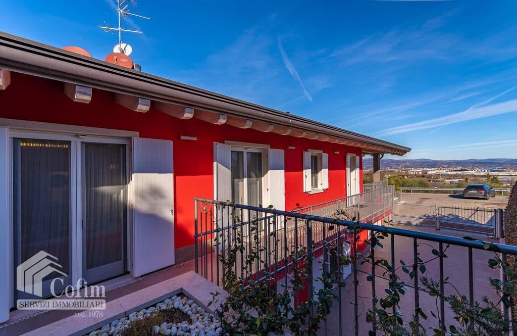 Villa di lusso recente, panoramica in VENDITA, Classe A1, finiture di pregio  Sona (Sona) - 8